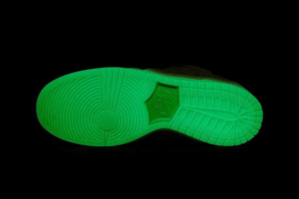 Nike SB Dunk Low 'Mummy' glow in the dark