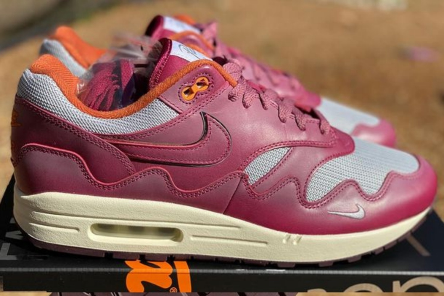 Check out the Patta x The Wave Air Max 1 'Maroon'